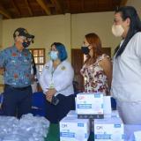 El alcalde William Dau y la directora del Dadis, Johana Bueno, con Katerine Rueda, de la empresa Moncada Holding.