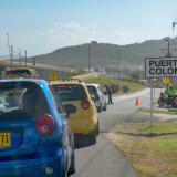 Los afectados por la falta del servicio cerraron una de las entradas al municipio por  la Vía al Mar.