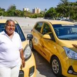 Alexis Morelo Pérez y Deyanira Cali Mendoza, dos mujeres taxistas de Barranquilla.