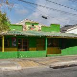 Atracan a comensales y a trabajadores de un restaurante en Barrio Abajo
