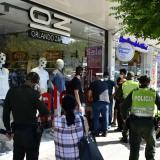 Amordazan a empleados y roban almacén en la calle 72