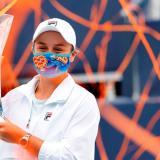 Barty revalida título en Masters de Miami