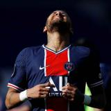 Neymar reaparece con expulsión y lío en el túnel