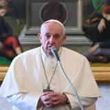 Vacunas, pobreza y guerras: mensajes del papa al anunciar la Pascua