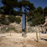 Monolito en playa de España desaparece