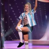 Representante de Miss Argentina homenajeó a Maradona con su traje típico