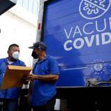 OMS pide a los países más ricos que donen dosis en vez de vacunar a sus niños