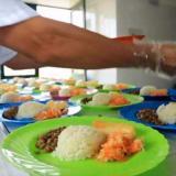 Procuraduría pide abrir paso para entregar alimentos a estudiantes