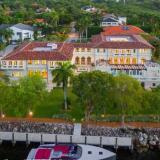 Marc Anthony vende su mansión