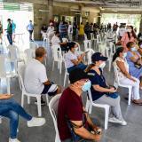 Asistencia masiva en primer día de vacunación a mayores de 55