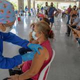 Afluencia masiva en los puestos de vacunación de Barranquilla
