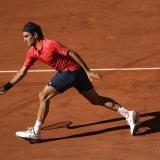 Roger Federer gana en la primera ronda de Roland Garros