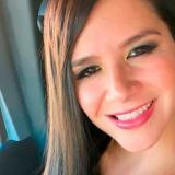 Aspirante a diputada en México promete implantes de senos gratis