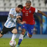 1-1. Argentina y Chile empatan en el debut con goles de Messi y Vargas