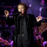 Raphael volvió a los escenarios con concierto presencial