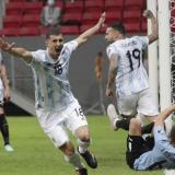 Argentina se lleva un intenso clásico rioplatense en la Copa América