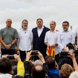 Los presos independentistas catalanes indultados abandonan las cárceles