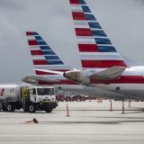Es falso que American Airlines cancelara vuelos por coágulos en su tripulación vacunada