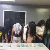 Capturan a siete mujeres por llevar droga escondida en equipajes