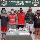 Capturan a 5 que vendían drogas en palmar de Varela