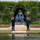 Guillermo y Enrique desvelan juntos una estatua en honor a Diana de Gales