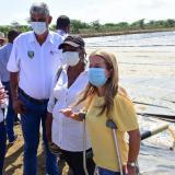 Gobernadora Noguera dijo que se acabaron los días de las calles con aguas residuales en Repelón