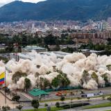 Derriban antiguo edificio Mindefensa en Bogotá