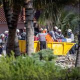 Reinician búsqueda de cuerpos en derrumbe de edificio en Miami-Dade