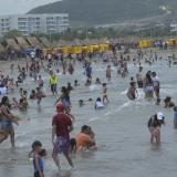 Puente festivo con playas copadas pese a restricciones