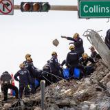 Aumentan a 32 los cuerpos hallados en escombros de edificio en Miami-Dade
