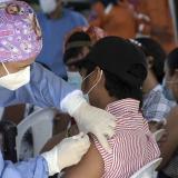 Mayores de 40 años podrán vacunarse mañana con única dosis sin agendamiento