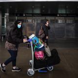 Canadá reduce restricciones a viajeros vacunados