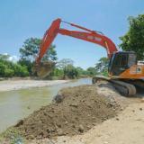 Intervienen río Sevilla para prevenir inundaciones en la Zona Bananera