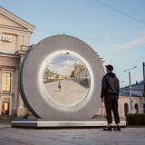 Portal futurista conecta a dos países en Europa