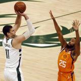 Bucks vencieron a los Suns y empataron la final de la NBA