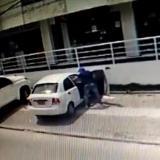 Cámara de seguridad registra el atraco a dos personas en Villa Carolina