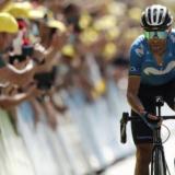 Los ciclistas españoles dan negativo en los test PCR y podrán competir