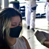 Cae a mínimos negativa a vacunarse contra la covid-19