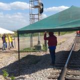 Trabajadores despedidos de Cerrejón vuelven a tomarse la línea del tren de la compañía