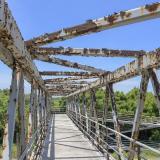 Deterioro en los puentes peatonales