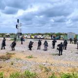 Esmad desalojó a extrabajadores de Cerrejón que bloqueaban la línea férrea