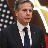 """EE.UU. dice estar """"seguro"""" de que Irán atacó el buque en la costa de Omán"""