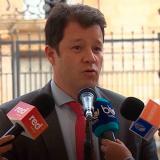 Víctor Muñoz habla de posible corrupción en contrato de dentros digitales I Karen Abudinen