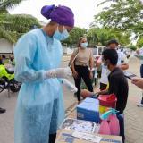 Habitantes de calle son inmunizados contra el coronavirus en Montería