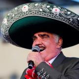 Vicente Fernández grave tras caerse en su rancho
