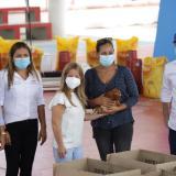 Gobernación entrega gallinas y materiales para construcción de galpones