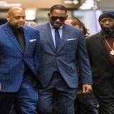"""Como """"depredador"""" sexual describen al cantante R. Kelly"""