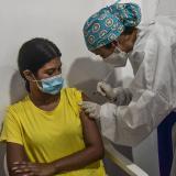 Inicia vacunación para jóvenes entre 15 y 19 años en Barranquilla