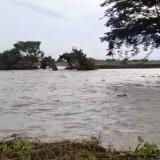 Inician las evacuaciones por el desbordamiento del Cauca en Guaranda