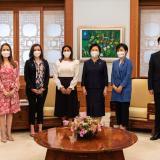 Nutrición y protección a la niñez, temas claves de primera dama en Corea del Sur